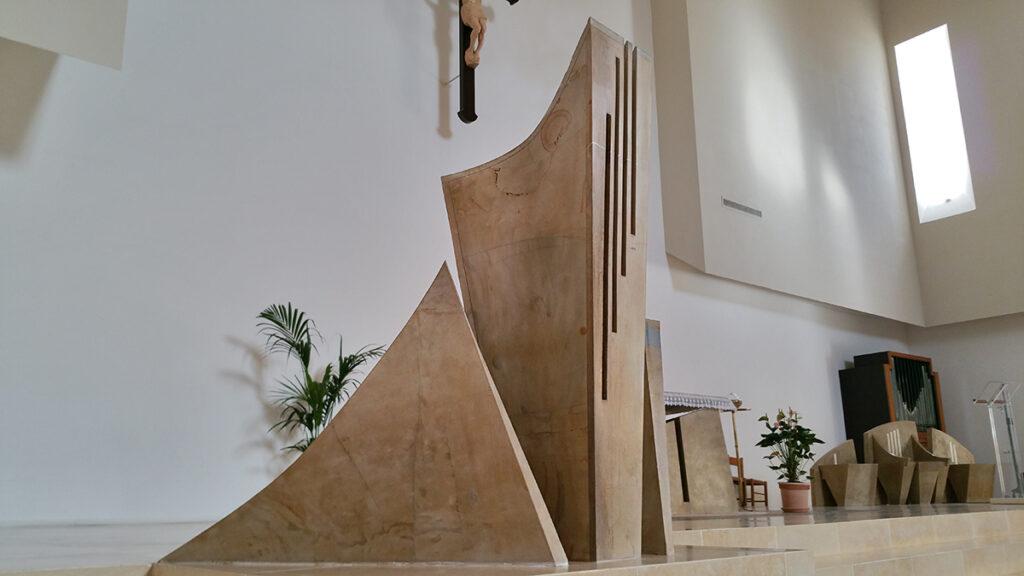 Raul Gabriel ambone contemporaneo chiesa di Olmo Olmo